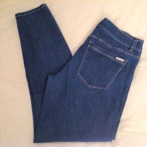 White House/Black Market Woman's Jeans 6R Skinny